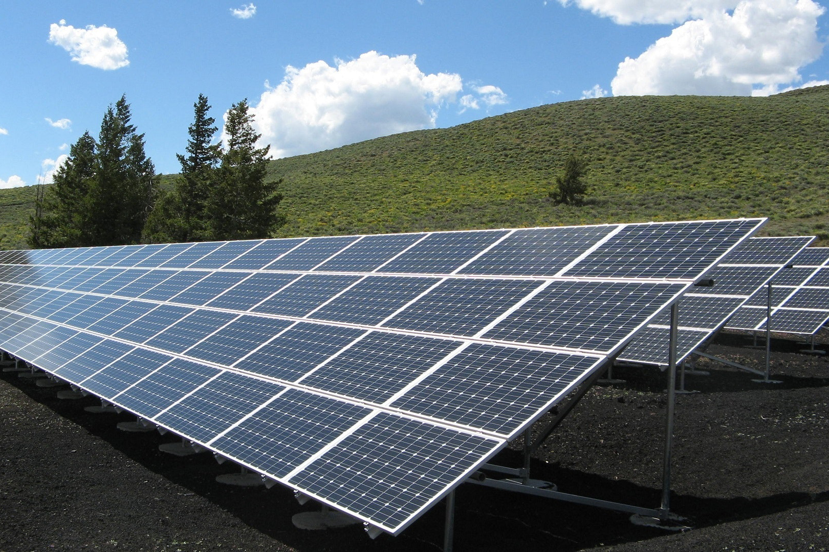 solar-panel-array-power-sun-electricity-159397.jpeg