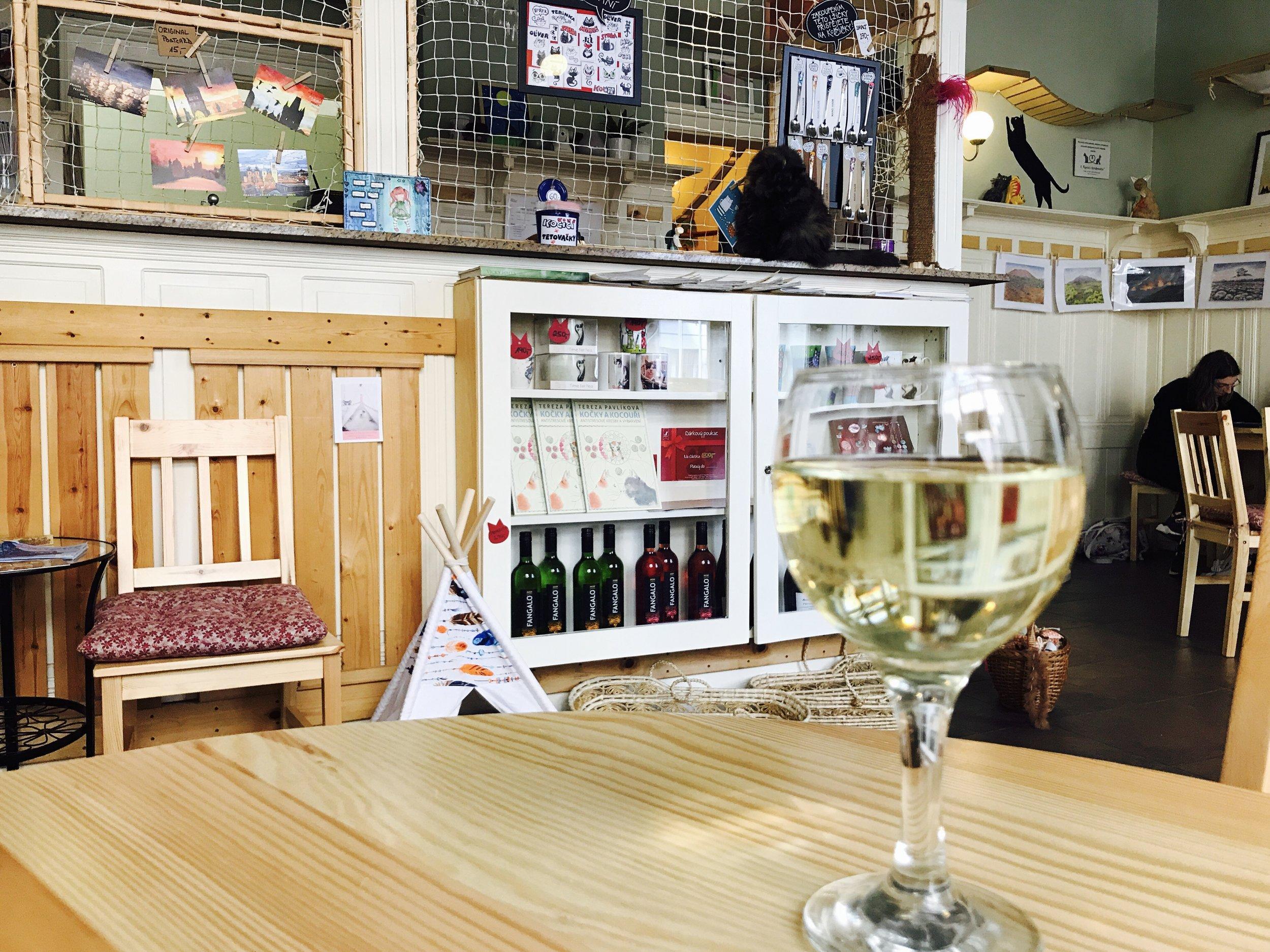 Kockafe Freya has a wide selection of beer, wine, juice, coffee and snacks