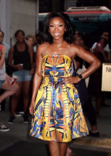 thumb_7d5f7-brandy-norwood-wear-vone-butterfly-effect-collection-for-the-today-show_resize_800_500.jpg