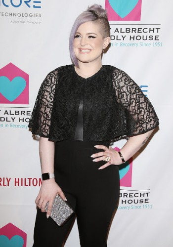 thumb_28377-kelly-osbourne-wears-a-black-jumpsuit-with-lace-sleeves-by-vone-while-attending-the-peggy-albrecht-friendly-house-los-angeles-26th-annual-awards-lunchen-where-she-was-honored-as-woman-of-the-year_resize_800_500.jpg