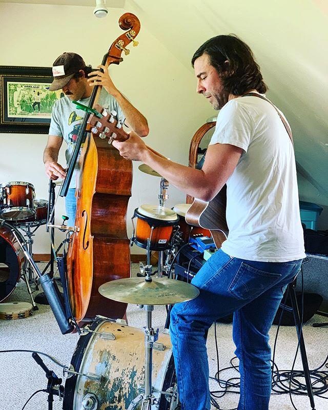 Malkin' #music #powerduo #style #indie #punk #americana #travelinggypsy #rockstar #onemanband #2manband #rockstarlife #jacksonhole #wyoming #rockduo #drums #guitar #uprightbass #tetonvillage #wy #stagelife #davidbowie #indiefolk #dadlife #rockstardad #catstevens