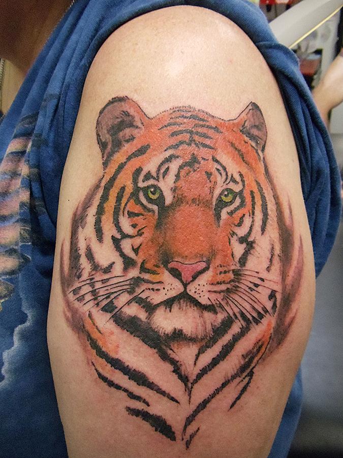 Mike H Tattoo 03 Copy.jpg