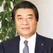 河原八郎 /代表取締役 - 小林祥泰医学博士と師弟関係にあり、島大医学部第三内科と強固なつながりを持つ。