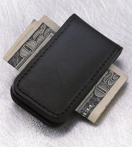 Magnetic money clip in black full-grain leather   22-5930