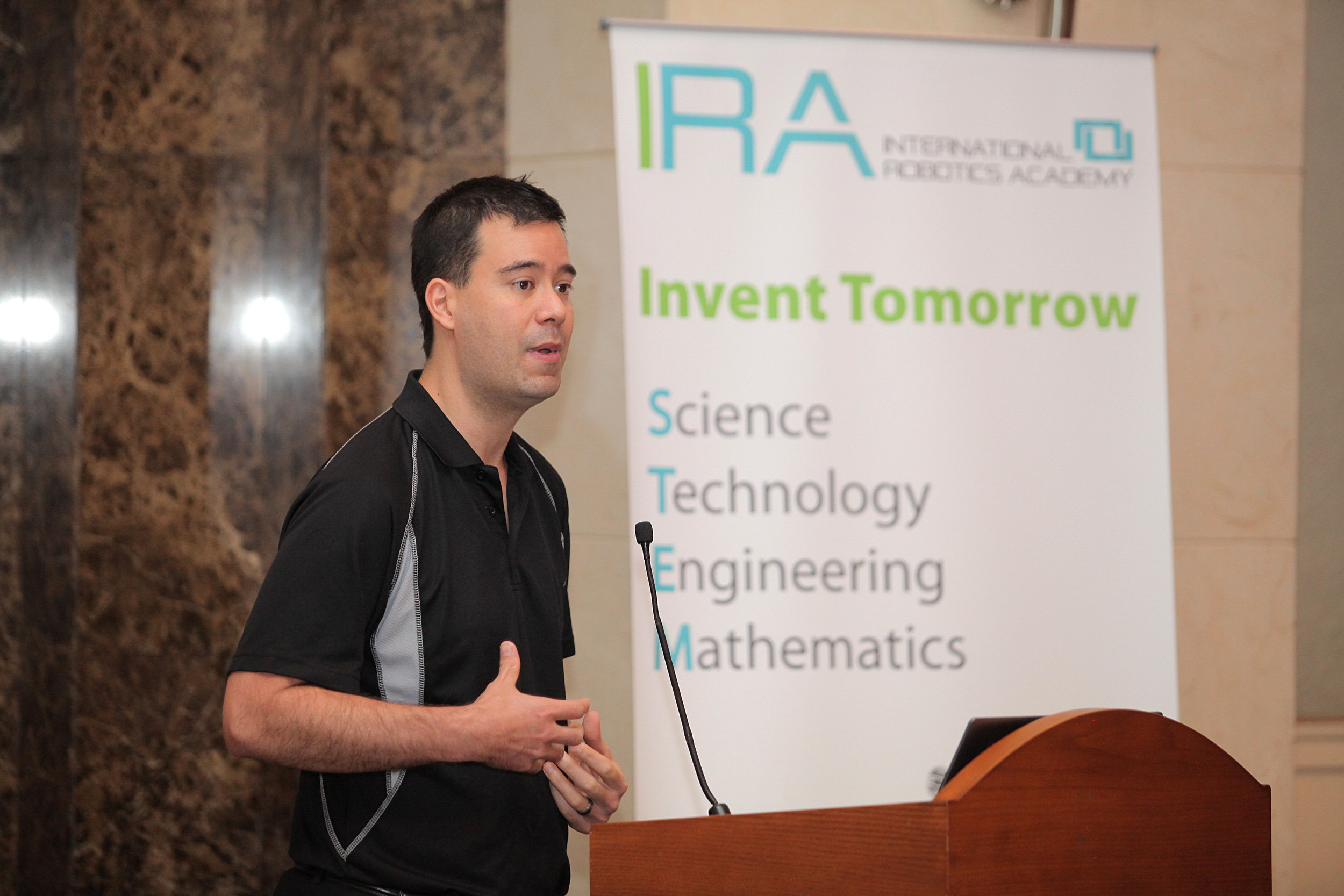 Dr. Damien during one of IRA's STEM Seminars in Amman - Jordan.
