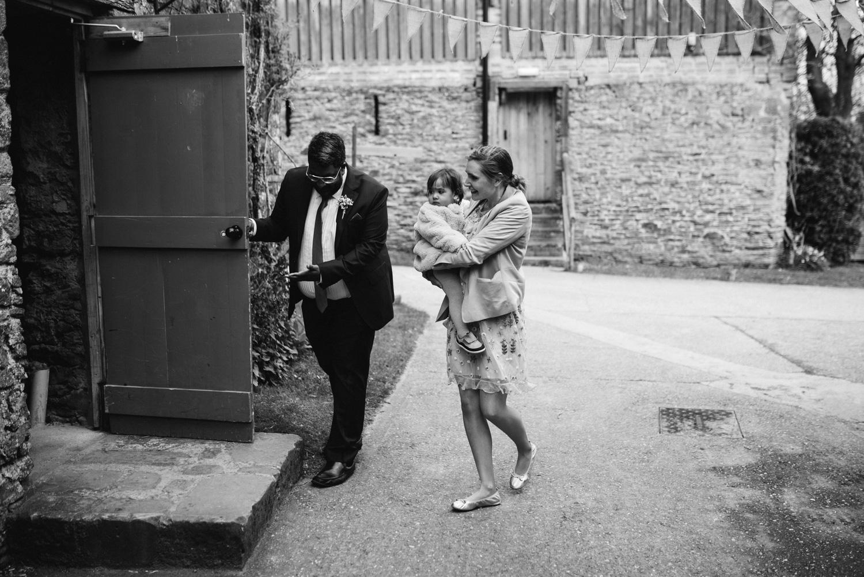 ash barton estate wedding photos-13.jpg
