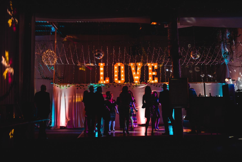 ash barton estate wedding photos-24.jpg