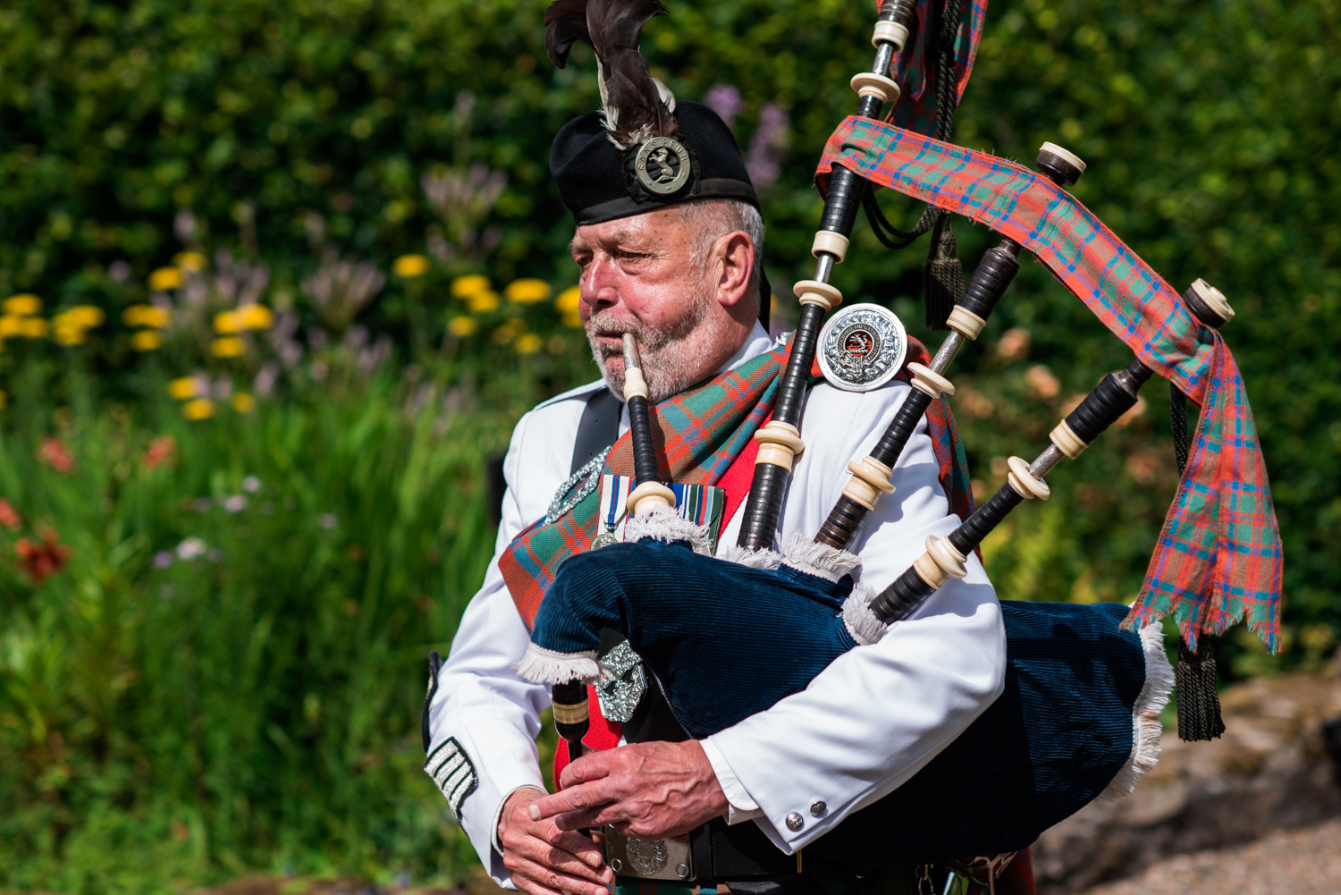 Copy of Newhall Estate Edinburgh Wedding - Bagpiper