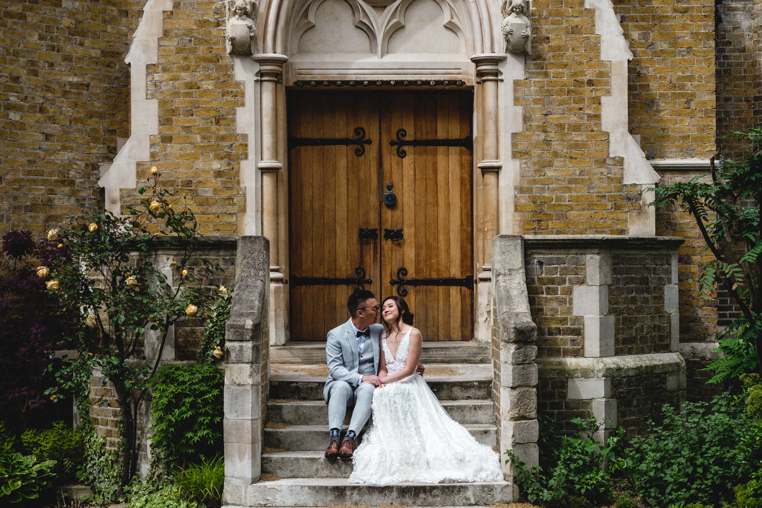 London wedding photos - Holy Trinity Brompton