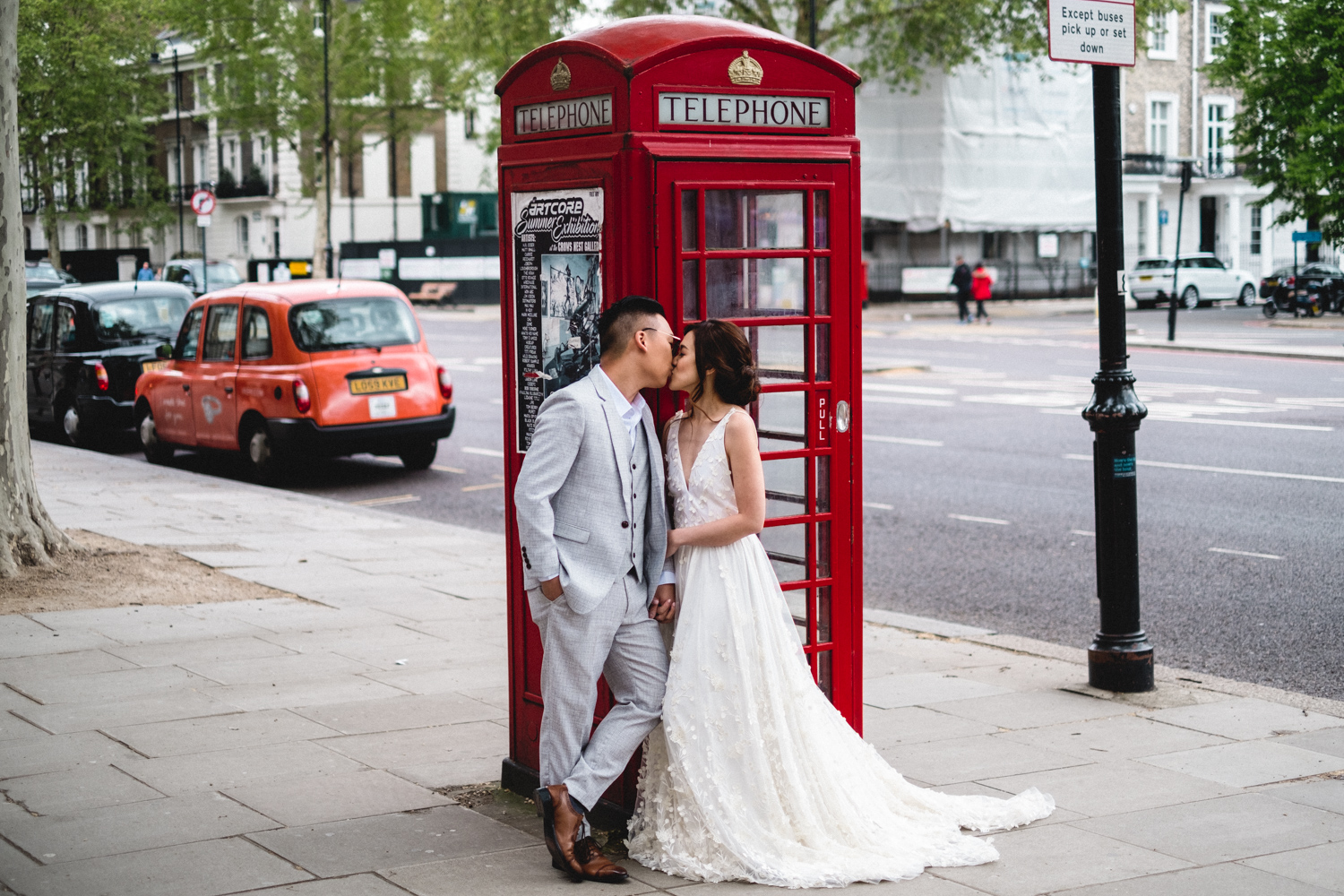 London pre-wedding photos - red telephone box