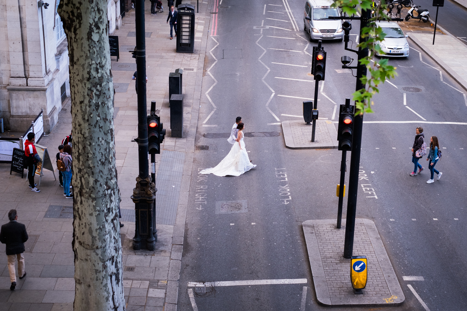 London pre-wedding photos - embankment