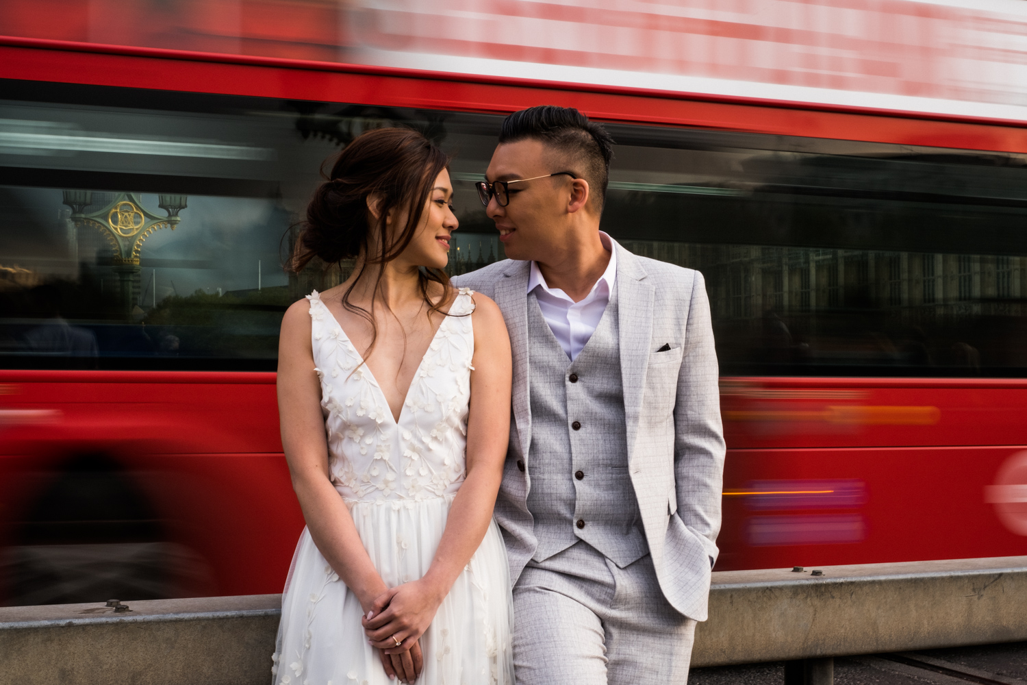 London pre-wedding photos - Red Bus