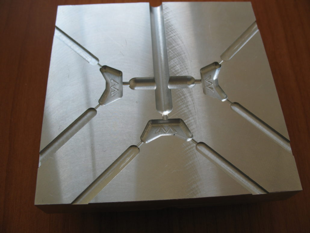 spritzgussform-aus-alu-3d-fraesen-1030x773.jpg