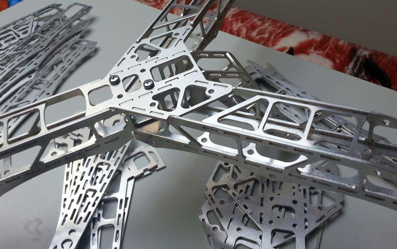mikrocopter-octocopter-teile-aluminium.jpg