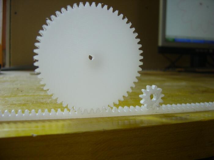 zahnräder-modellbau-fräsmaschine.jpg