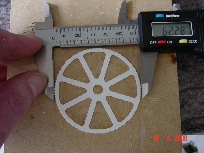 modellbau-bagger-rad.jpg