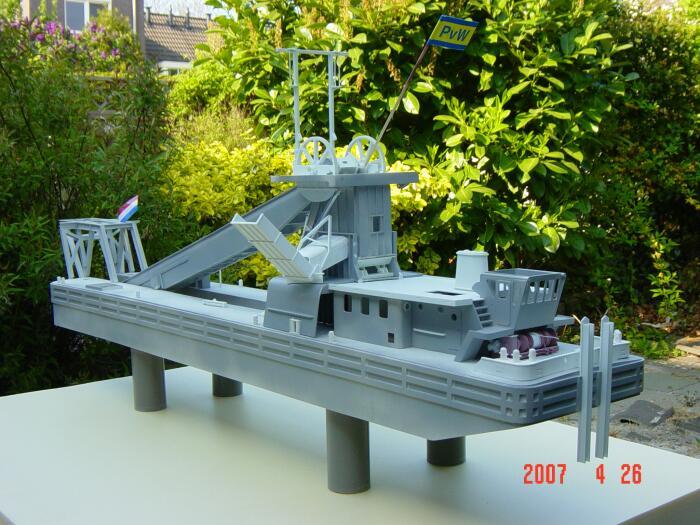 schiffsmodell-bagger.jpg