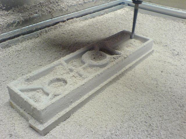 cnc-fraesen-einer-negativ-3d-sandform.jpg