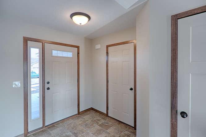 8644 Eisele Ave NE Monticello-small-012-12-Foyer-666x444-72dpi.jpg