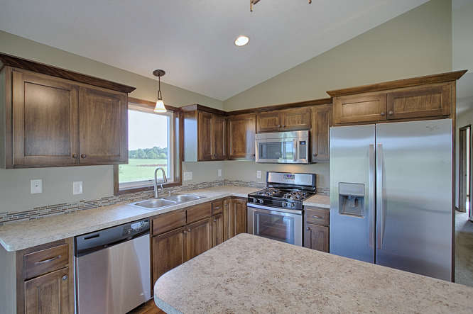 3327 235th Ln NW St Francis MN-small-013-13-Kitchen-666x443-72dpi.jpg