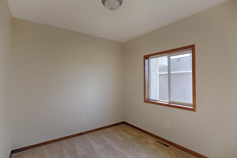 6552 145th Bay N Hugo MN 55038-large-019-Main Floor Den-1500x1000-72dpi.jpg