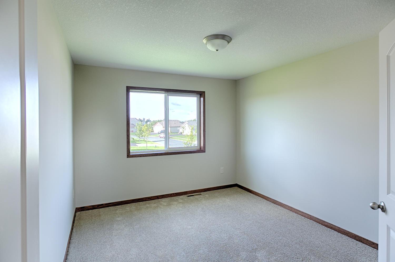 6552 145th Bay N Hugo MN 55038-large-021-Bedroom 2-1500x996-72dpi.jpg