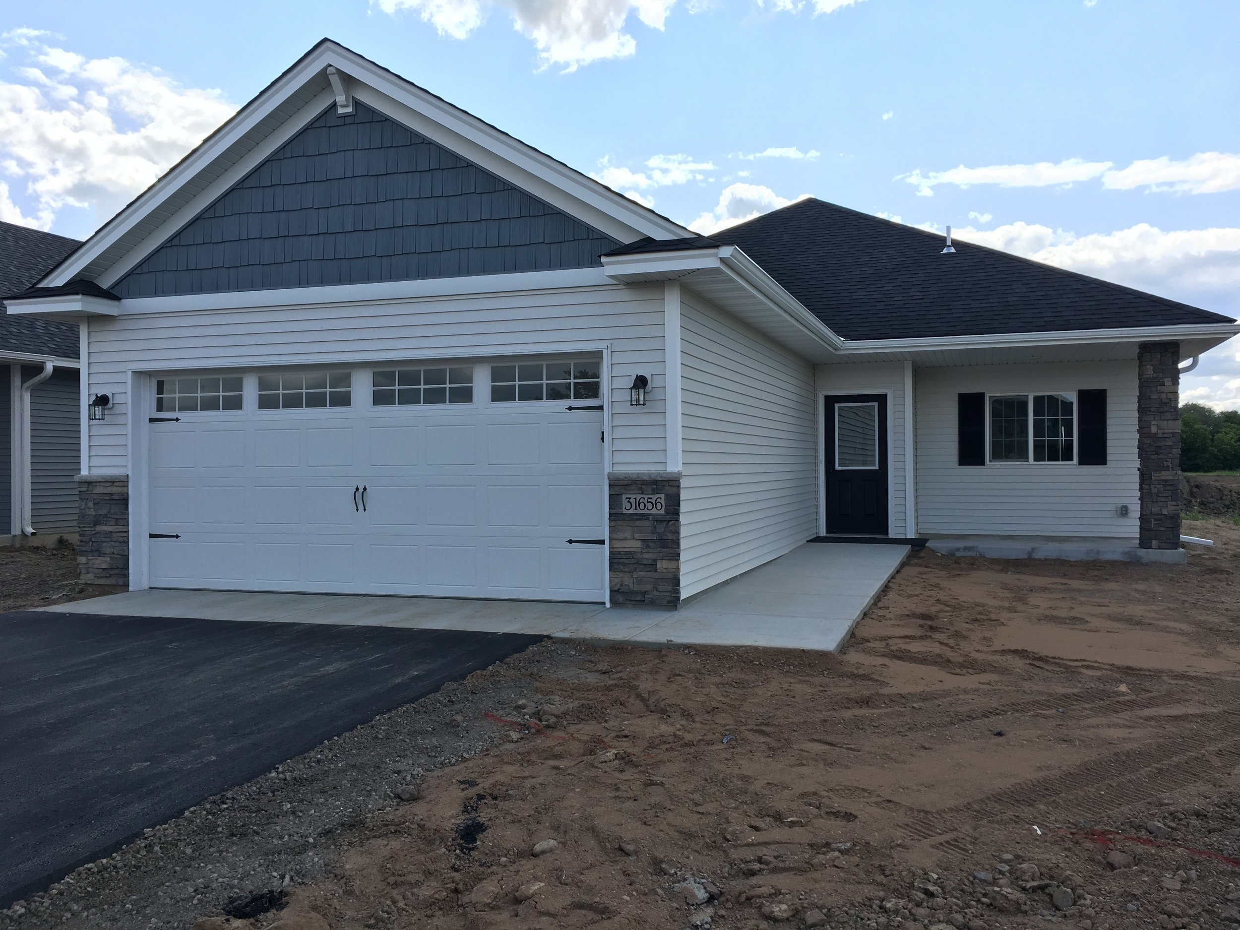 31656 McGuire TrailLindstrom, MN - The Amelia2BR/2BA-1287 FSFOne Story Detached TownhomeAvailable for Purchase