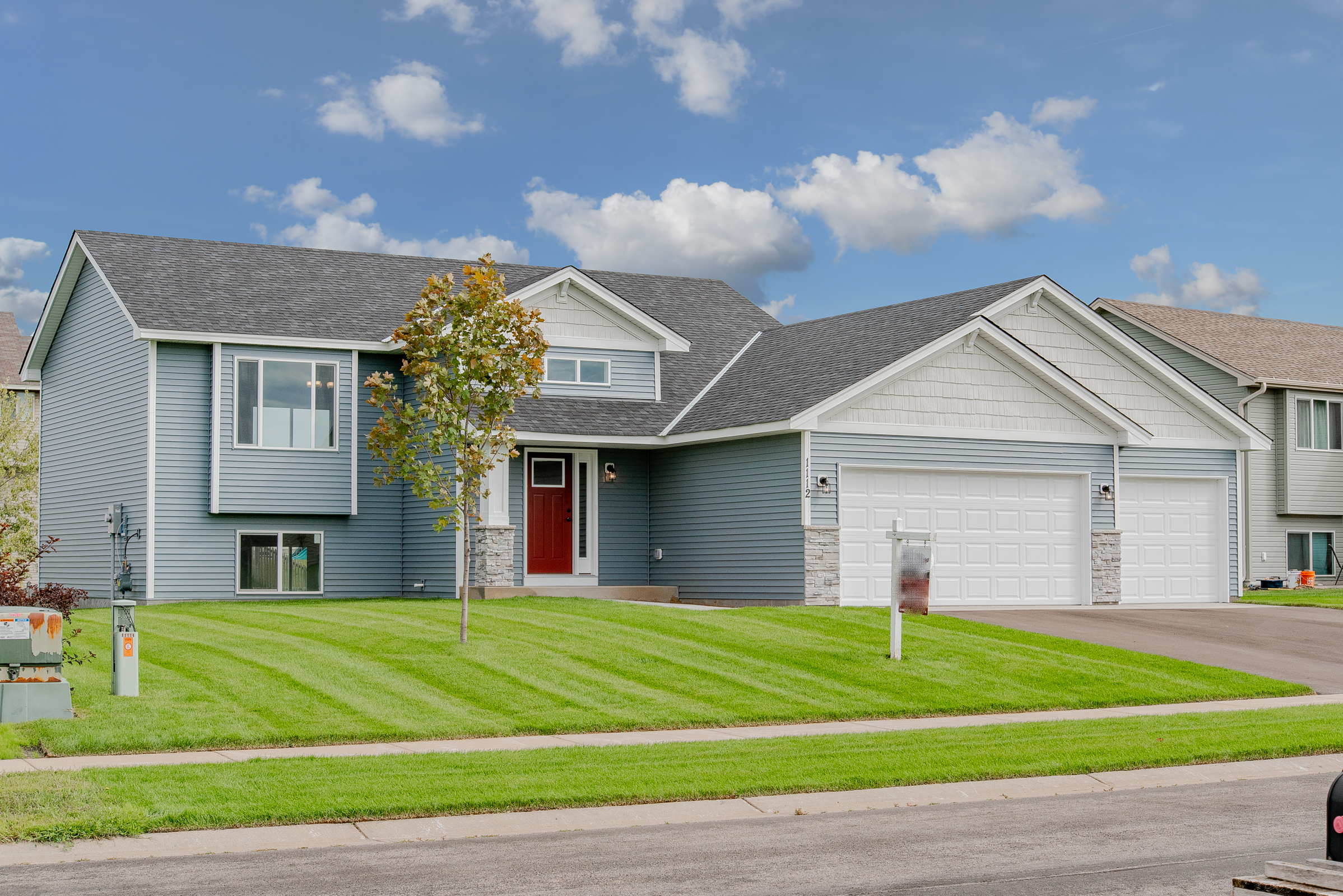 1112 Ironwood Ave SWIsanti, MN - The Tay by Easy Living Homes2BR/2BA-1206 FSFSplit Entry Completed New ConstructionAvailable