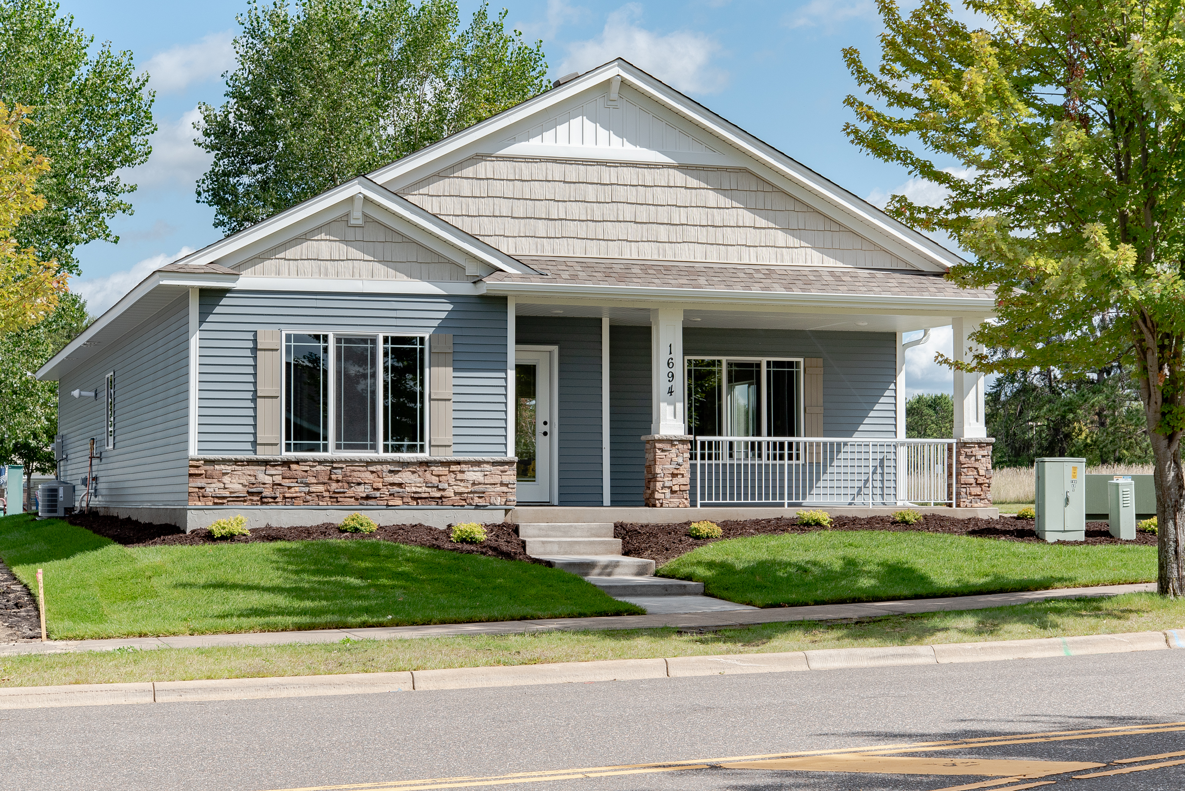 1694 Fern St. SCambridge, MN - The Evaline (Alley) by Semler Construction2BR/2BA-1436 FSFOne LevelCompleted New ConstructionUnder Contract