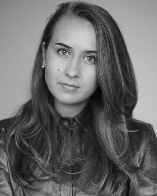 STASHA RANDALL  MEMBER MANAGER  Stasha recently joined HC in the autumn, having spent the past few years focusing on fashion design after moving from Croatia. Stasha has a wealth of knowledge across the fashion and retail sector and brings a relaxed friendly vibe where ever she is at HC.  Stasha's role at HC is to welcome Members and their clients on the busy HC floor. Streaming great music, creating a wonderful environment and supporting members whilst growing the HC member community.