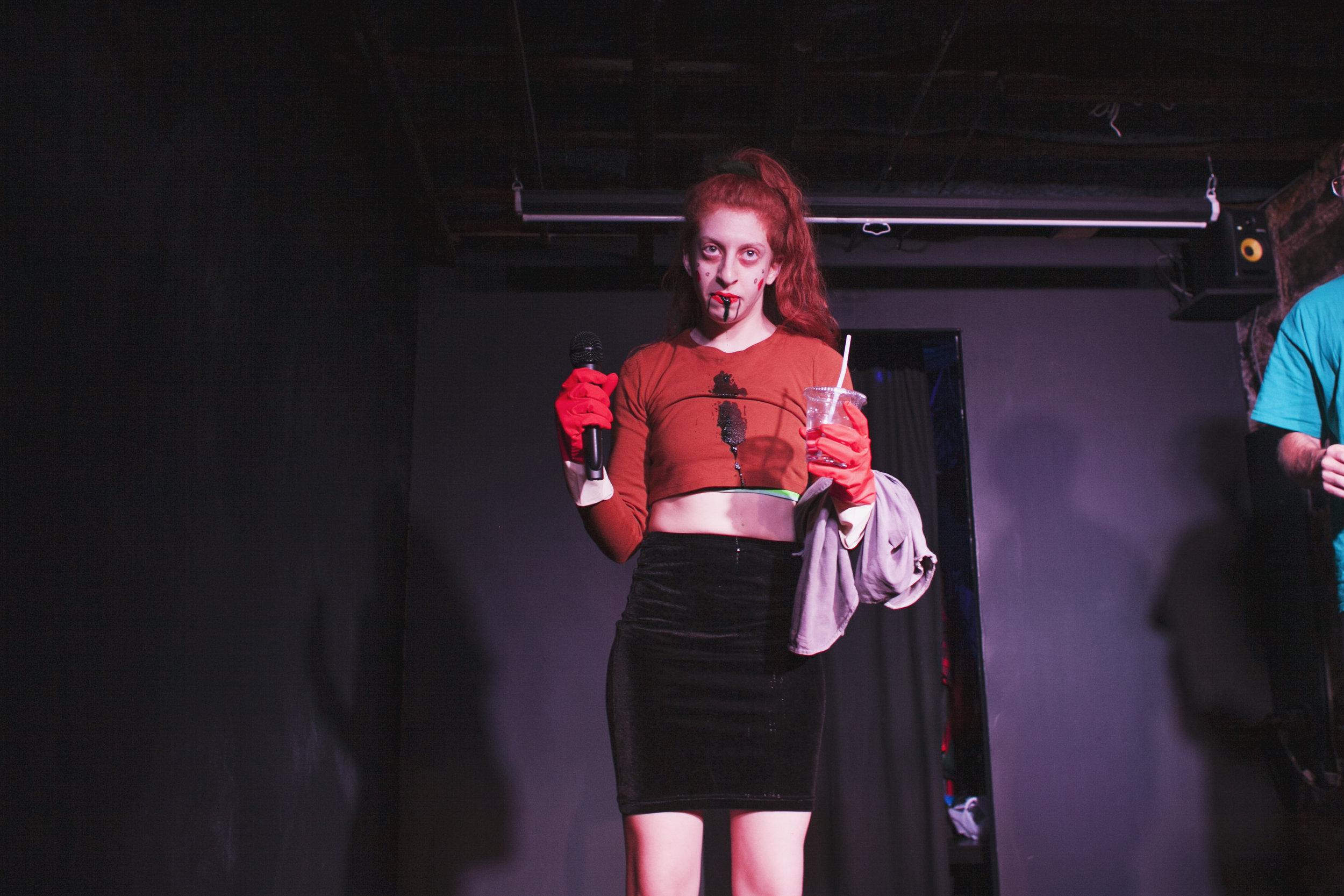 Lena Einbinder  performing, Photo: Sandy Honig