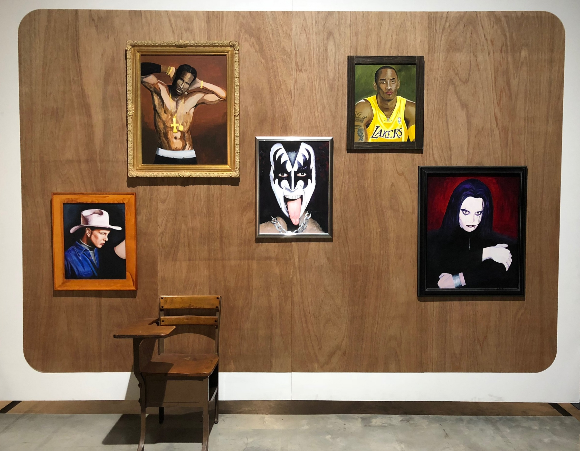 Mike Kelley,  Extracurricular Activity Projective Reconstruction #8 (Singles' Mixer) , 2004-2005, Mixed media with video projection and photographs, 112 x 300 x 169 inches. Photo by the author.