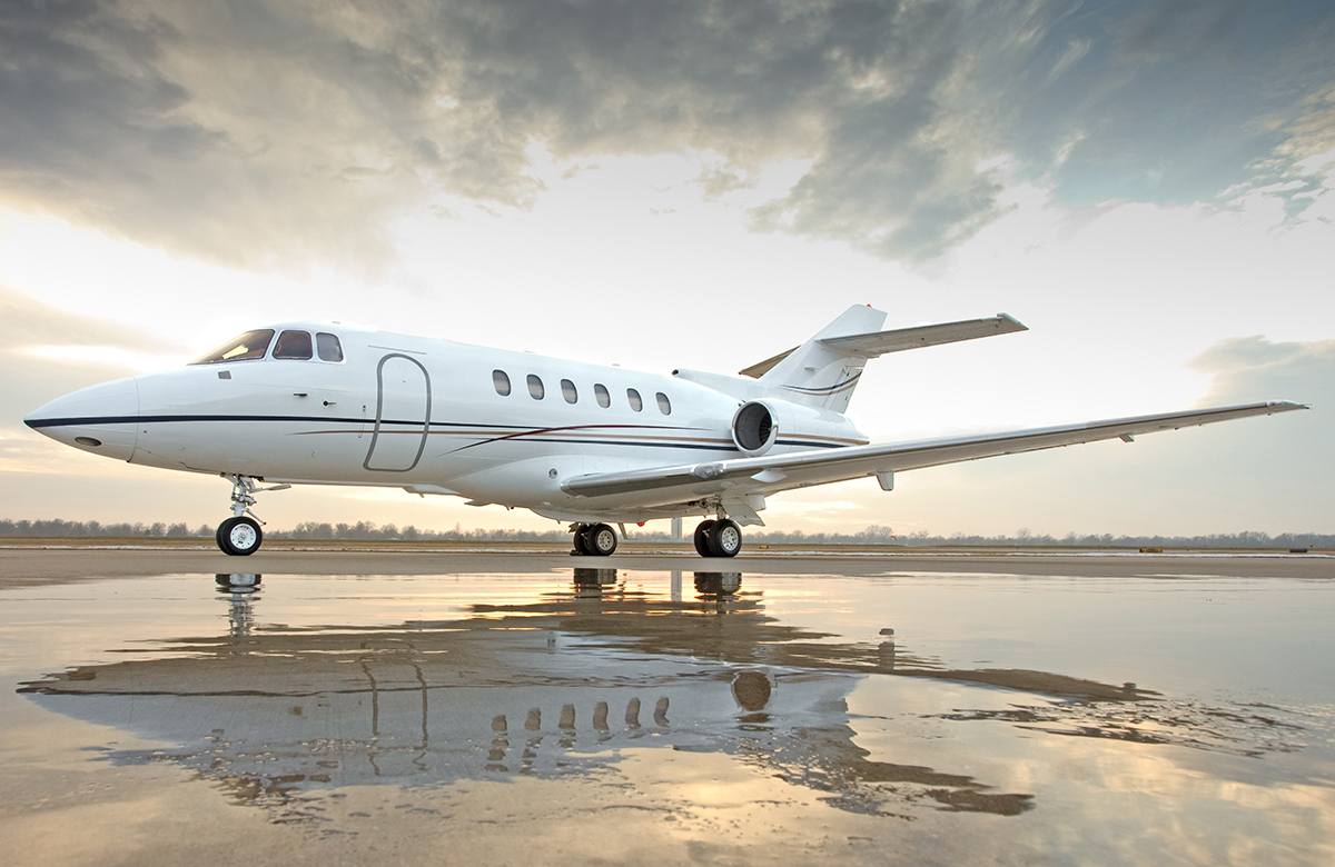 fractional ownership, aircraft ownership, aircraft brokerage, aircraft sales, hawker 800xp, own a hawker 800xp, mid-size jet, FlexJet, NetJets,