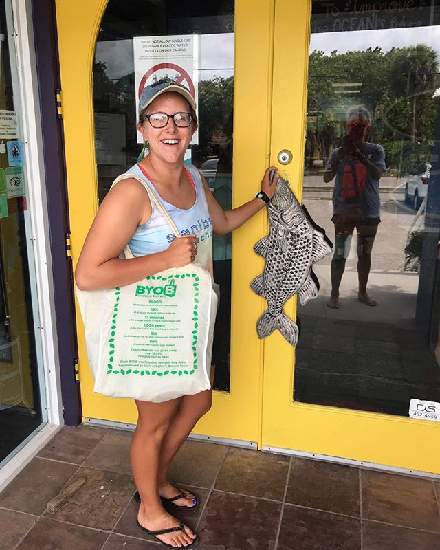 A big thank you to all of you who asked Governor DeSantis to veto HB 771! We have one more call to action, and this time a very local one. Next week, Sanibel's City Council members will open a discussion on the local regulation of single-use plastic bags. Coastal Keepers has partnered with island businesses to distribute more than 18,000 reusable canvas bags to shoppers over the past few years, and we think our community is ready to make the change official! If you are in support of a Sanibel ordinance on plastic bags, please write a quick email to City Council - the link is in our profile. It's simple, and just a sentence or two is enough! Thank you so much for your support. (P.S. - You can attend the meeting in person on 5/7 at 9 AM in MacKenzie Hall, located in City Hall at 800 Dunlop Rd., Sanibel)