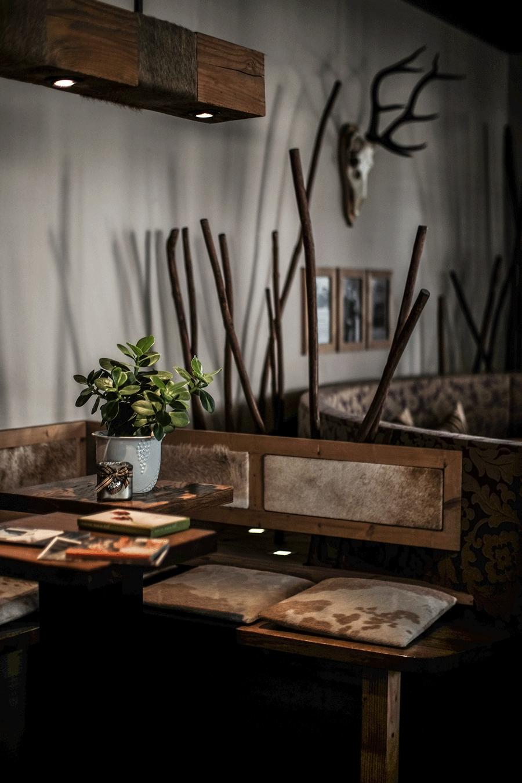 Chalet Lounge -