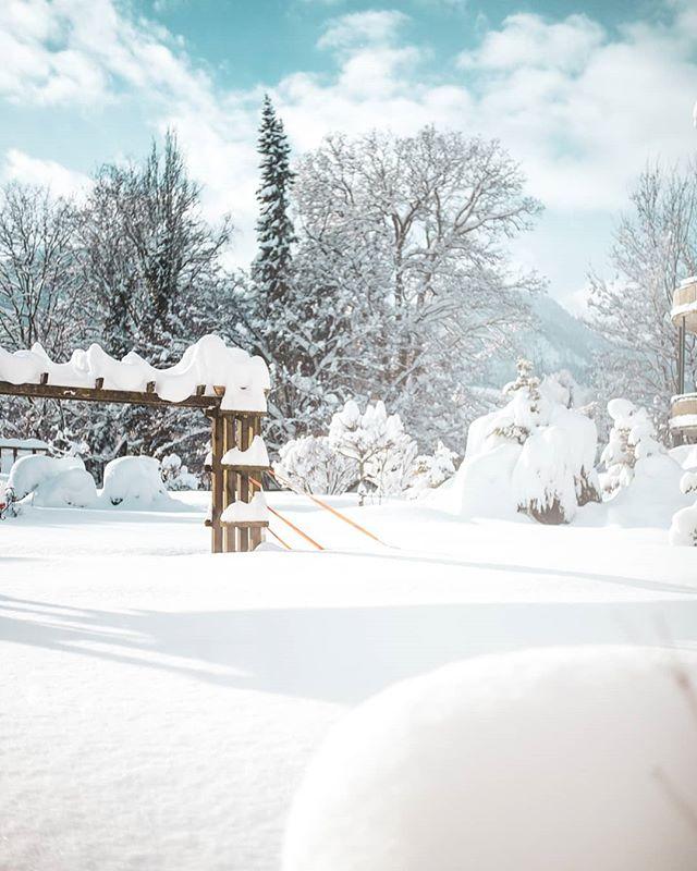 ⭐ Winterwunderland ⭐  @alpenhotel.wittelsbach #travel #bavaria #bayern #chiemgau #munich #traunstein #salzburg #ruhpolding #alps #alpen #restaurant #bar #garden #design #cosy #room #delicious #food #great #drinks #lovely #interior #alpenhotel #wittelsbach #gillitzer #barsifal #ronnefeldt #tee #tea