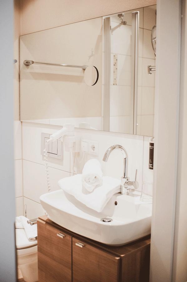 Einzel Komfort Badezimmer