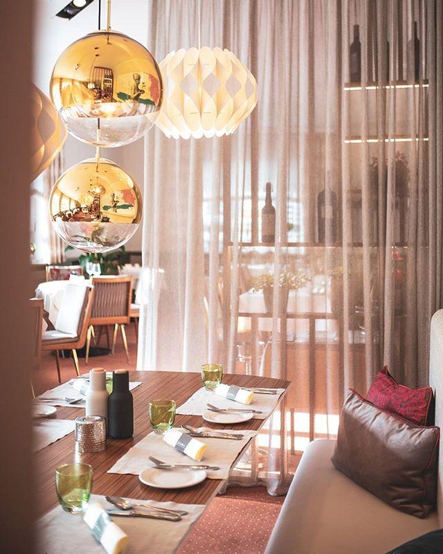 ⭐ NEU ⭐ Unsere Veranda neu interpretiert - vereint tradition und design  @alpenhotel.wittelsbach #travel #bavaria #bayern #chiemgau #munich #traunstein #salzburg #ruhpolding #alps #alpen #restaurant #bar #garden #design #cosy #room #delicious #food #great #drinks #lovely #interior #alpenhotel #wittelsbach #gillitzer #barsifal #ronnefeldt #tee #tea