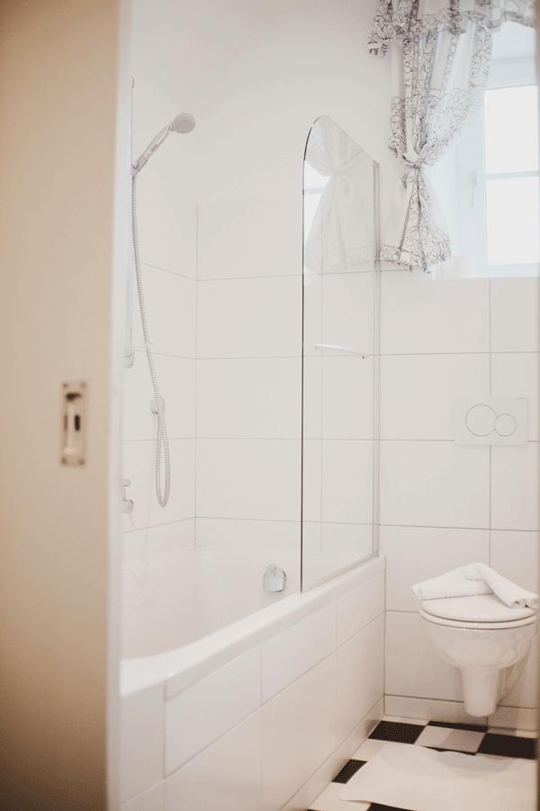 zarah-leander-suite-badezimmer.png