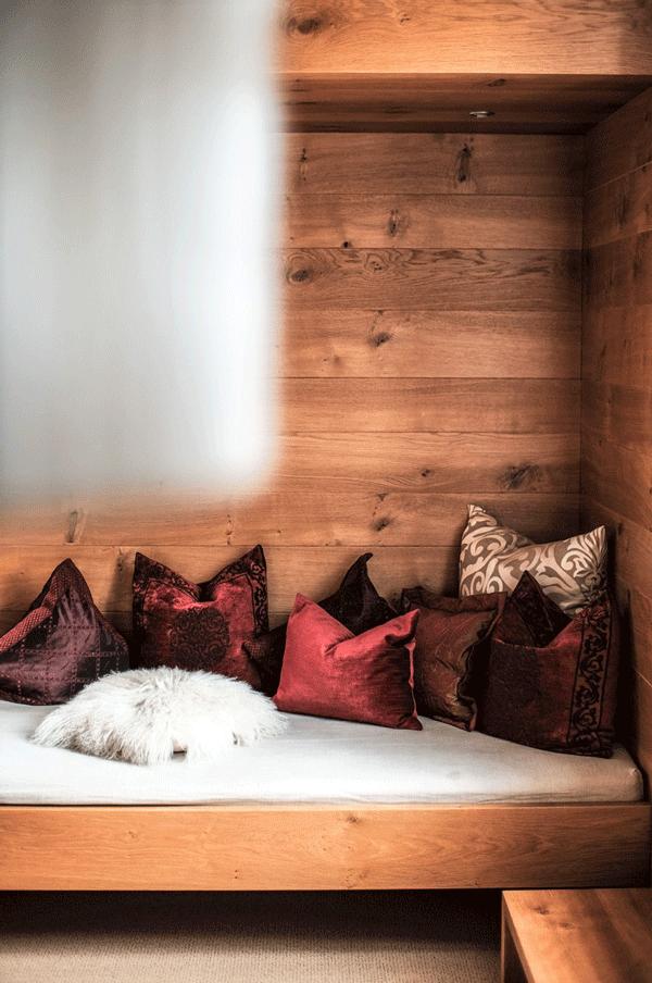 alpine-lodge-design-suite-couch-zusatzbett.png
