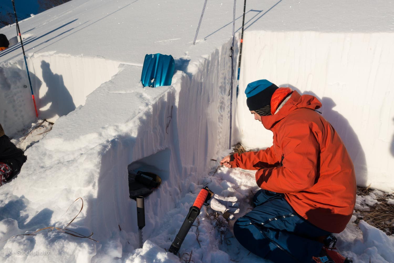 Pro 1 avalanche course with Alaska Avalanche School at Turnagain Pass. This was my first time assessing students on a pass/fail course. The students were VERY attentive. The course gave me a renewed appreciation for full snow profiles. Although far detached from making good decisions while moving through avalanche terrain, these time-intensive pits are a valuable process for learning about snowpack and taking accurate measurements.