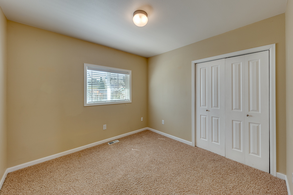 4402 S 3rd Ave, Everett, WA 98203-MLS-18.JPG