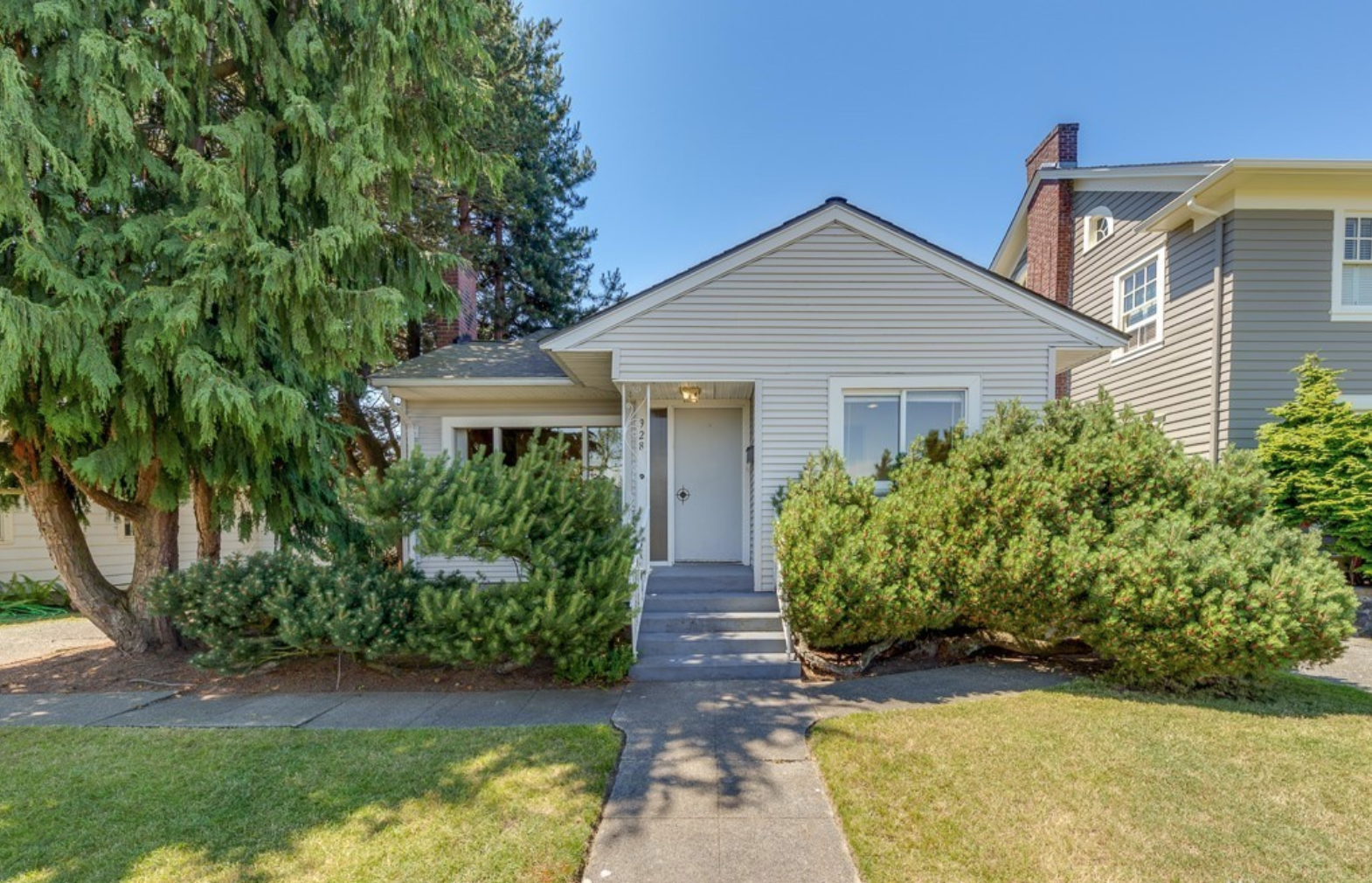 928 hoyt Avenue - Everett, WA // SOLD