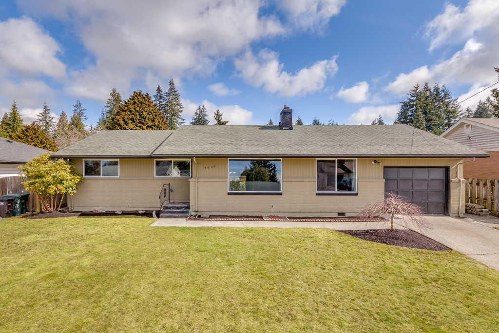5615 Sunset Lane - Everett, WA // SOLD