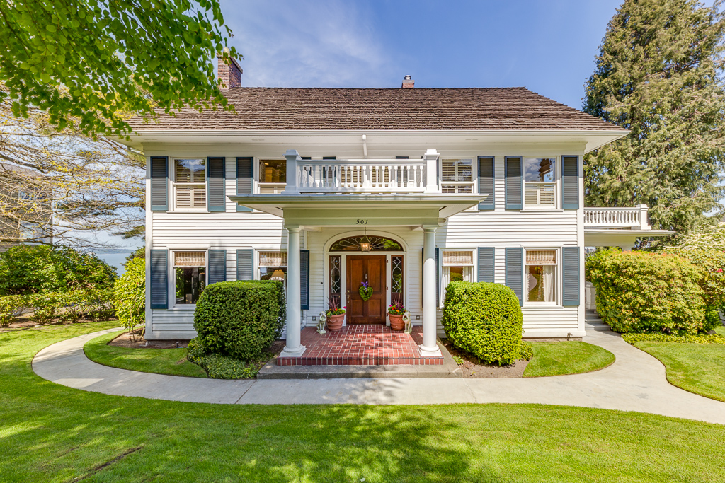 501 Laurel Drive - Everett, WA // $1,650,000