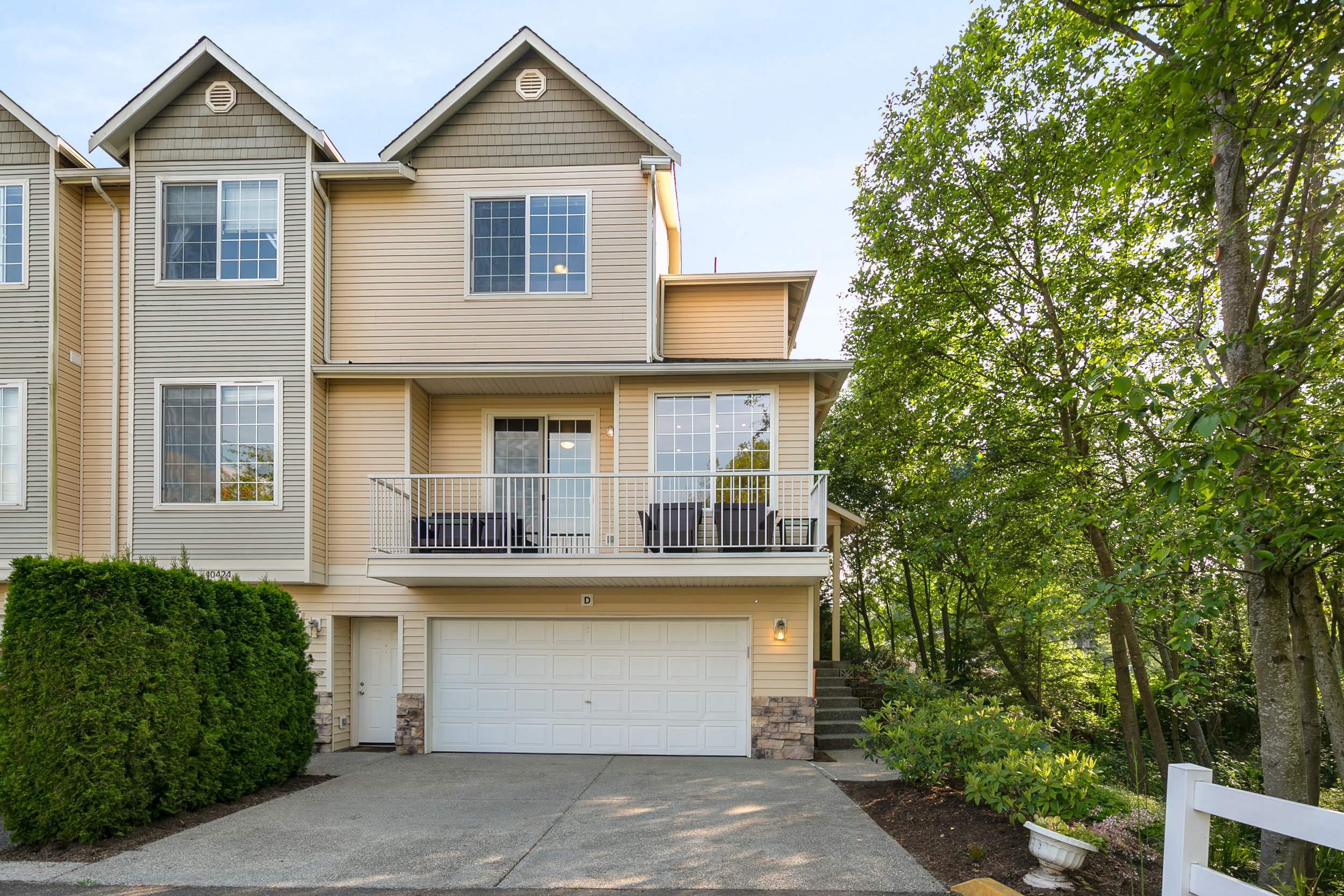 10424 HOLLY DRIVE - EVERETT, WA // SOLD