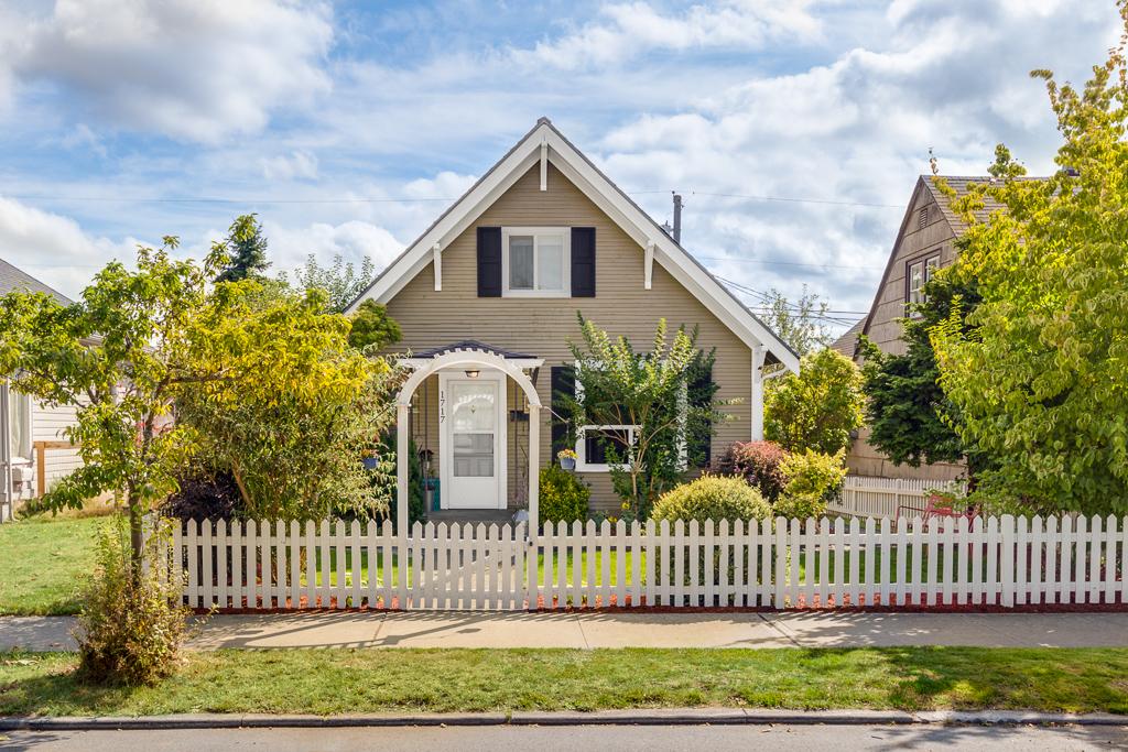 1717 Colby Avenue - Everett, WA // PENDING