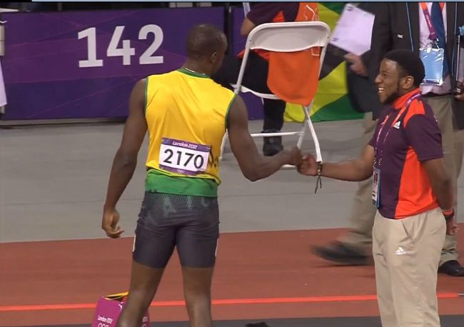 usain-bolt-fistbump-olympics