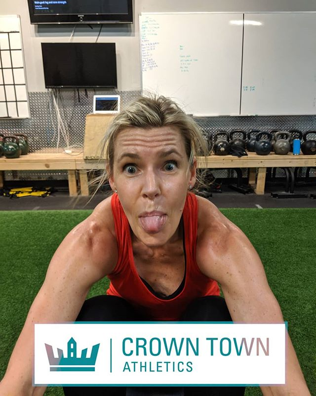 Heather always takes her fitness very seriously . . . #cltfitlife #clt #crossfit #plazamidwood #myerspark #elizabeth #uptown
