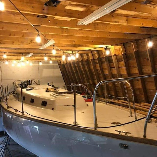 The boats want to come out and play! We have the sailing itch. . . . . #SailDoorCounty #DoorCounty #SisterBay #IsItSummerYet #DoorCountySummer #WaitingForSummer #WaitingForSummer2019 #Sailing #SailingLife #Hibernation #Boat #DoorCountySailing #BoatLife